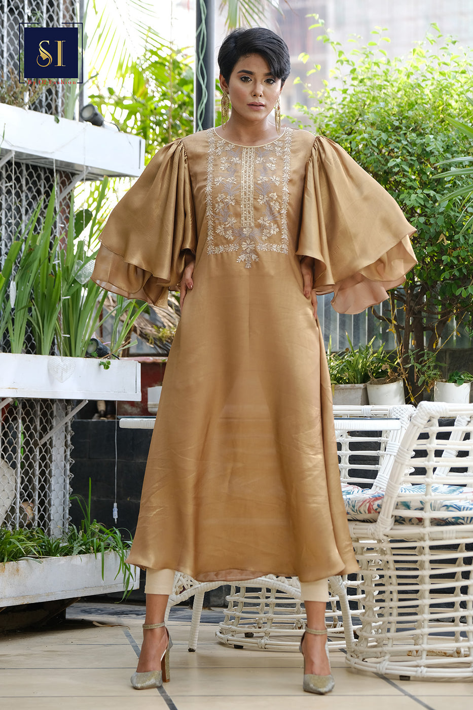 COPER GOLDEN LUXURY GOWN Comes with Pant