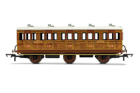 R40082 LNER 6 Wheel 3rd Class Coach No.4141