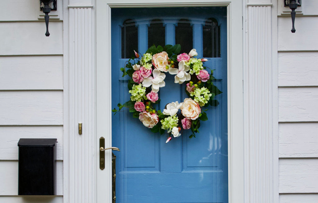 5 Spring Tips to Dress Up Your Doorway