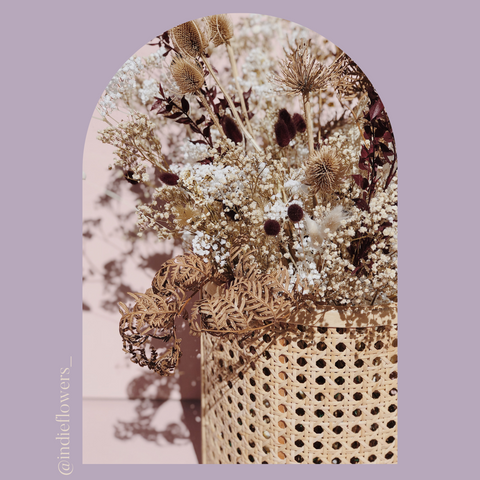dried flowers dried arrangement preserved flowers diy flower care tips blog flower advice how do I look after dry flowers wreath pressed flowers flower vase flower bouquet
