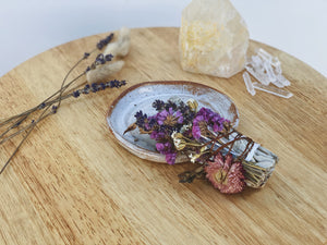 Flower and Crystal Smudge stick Dried flower sage stick, white sage stick, cleansing ritual, smoke ritual, wildflowers, dried flowers, florist, flower diy, pressed flowers,