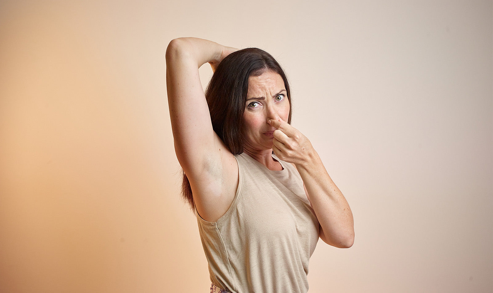 picture of girl asking why doesn't natural deodorant work for me?