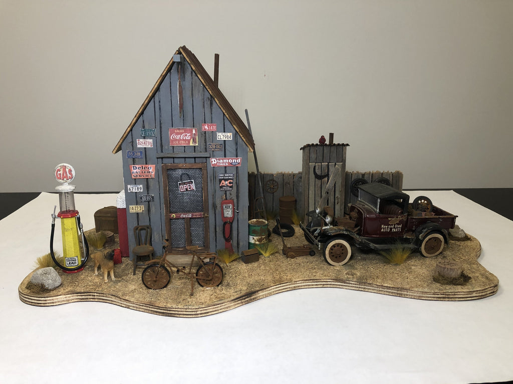 1930's Gas Station Scene - Diorama