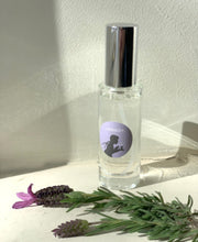 Load image into Gallery viewer, Pillow Mist - Cotswold Candle Company