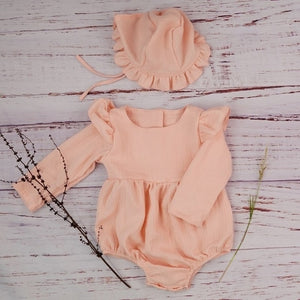 Cotton Newborn Onesie and Bonnet Set (peach)