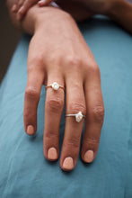 Load image into Gallery viewer, Freshwater Keshi Pearl Ring