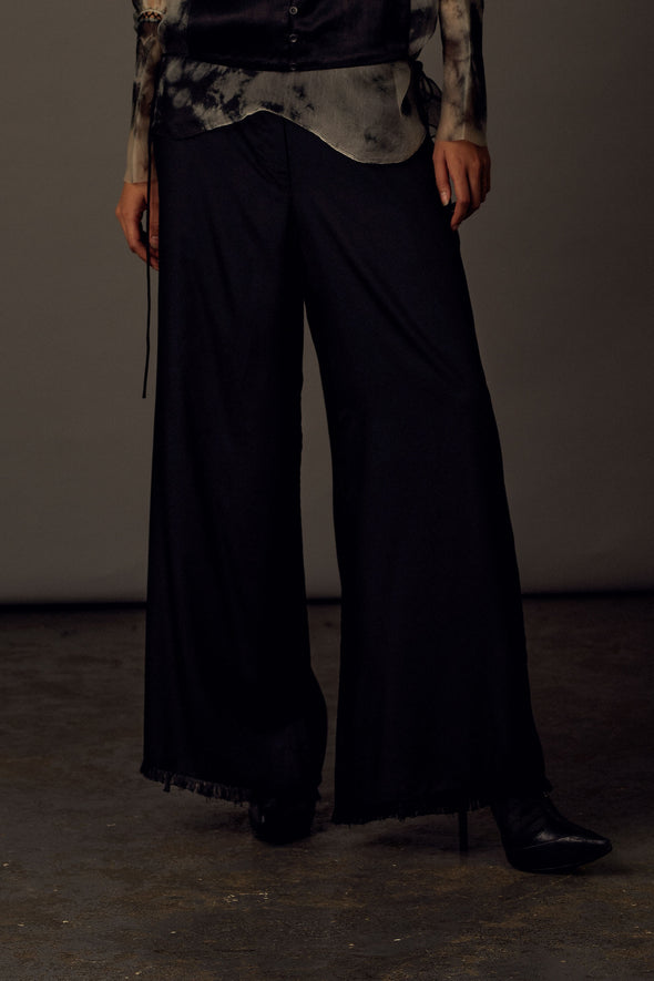 black-tencel-pants-with-frayed-hem