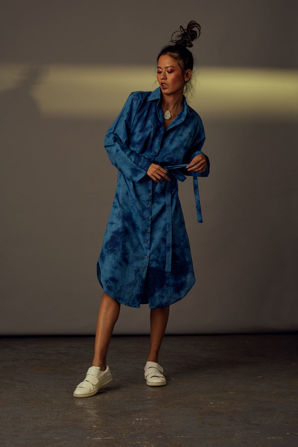 blue-tie-dye-organic-cotton-shirt-dress