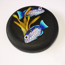 Load image into Gallery viewer, Upcycle your jar with an air-tight lid, hand-decorated in New Zealand. Decorated with polymer clay snapper fish and kelp. Standard fitting  (58mm) so it fits jars you have at home. Gift boxed in an attractive matchbox.