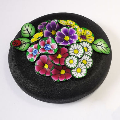 Upcycle your jar with an air-tight lid, hand-decorated in New Zealand. Decorated with colourful polymer clay flowers. Standard fitting  (63mm) so it fits jars you have at home. Gift boxed in an attractive matchbox.