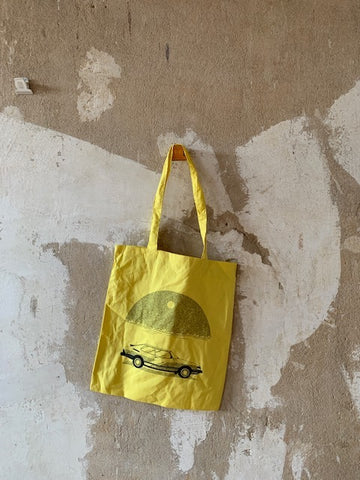BIS AUFS MESSER - Saab Tote Bag (Yellow)