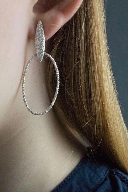 Petal Oval Hoop Earrings