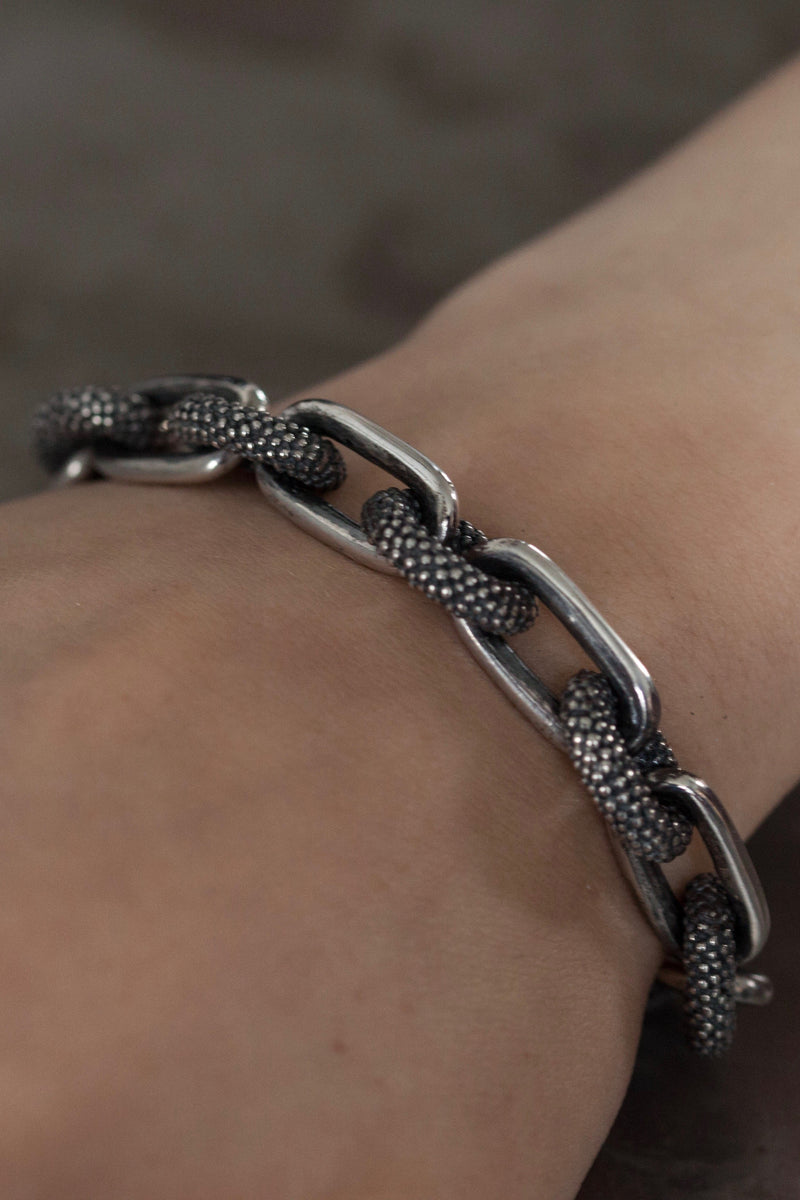 Spotted Oval and Plain Link Bracelet