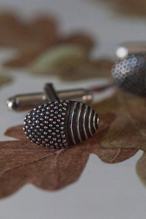 Spotted Acorn Cufflinks with T Bar