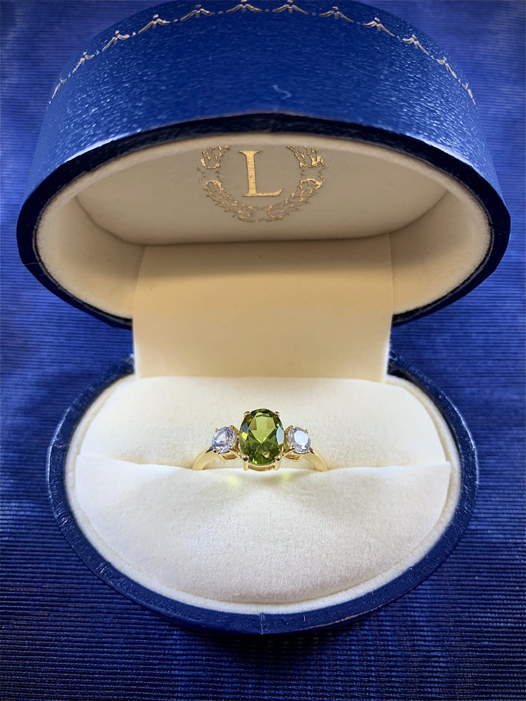 AUGUST BIRTHSTONES: PERIDOT, SARDONYX AND SPINEL