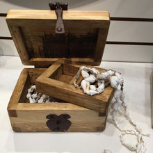 Load image into Gallery viewer, Small rustic pine rustic jewelry box