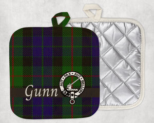 Clan Gunn Pot Holder, Scottish Tartan Plaid, Scotland Clan Crest Gifts, Personalized Celtic Kitchen Accessory, Woven Linen - Alba Forged