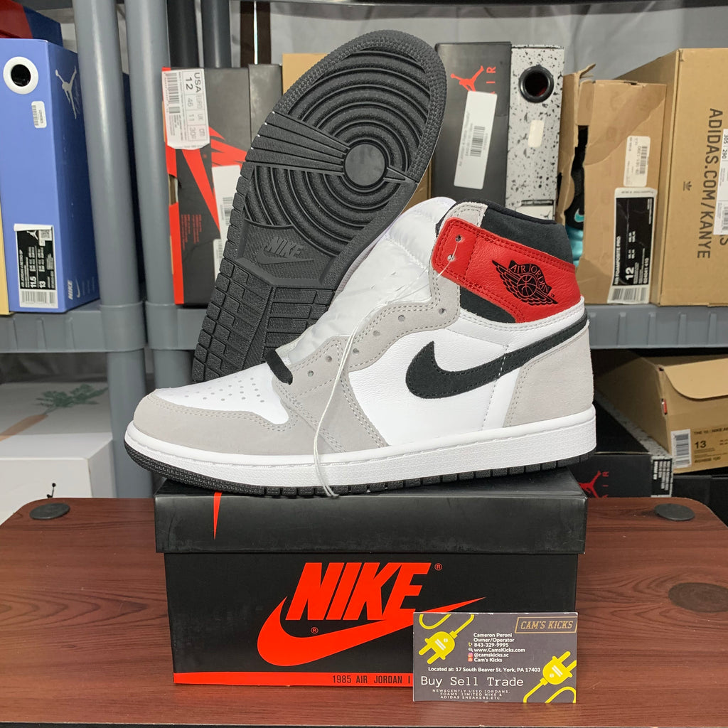 Air Jordan Retro 1 Smoke Grey