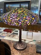 Load image into Gallery viewer, Stained Glass Lamp