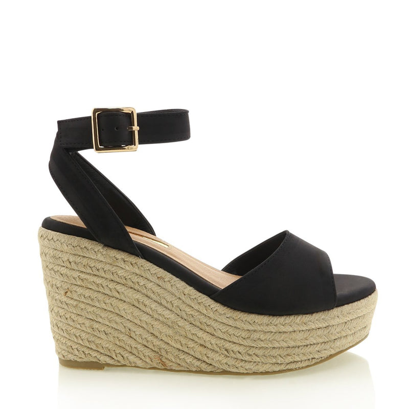 Perla Wedge - Black Nubuck