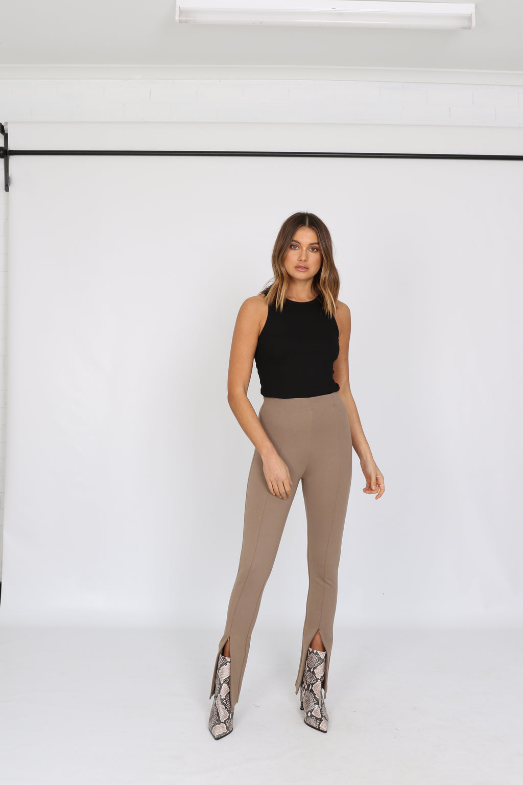 Darlo taupe zip split leggings