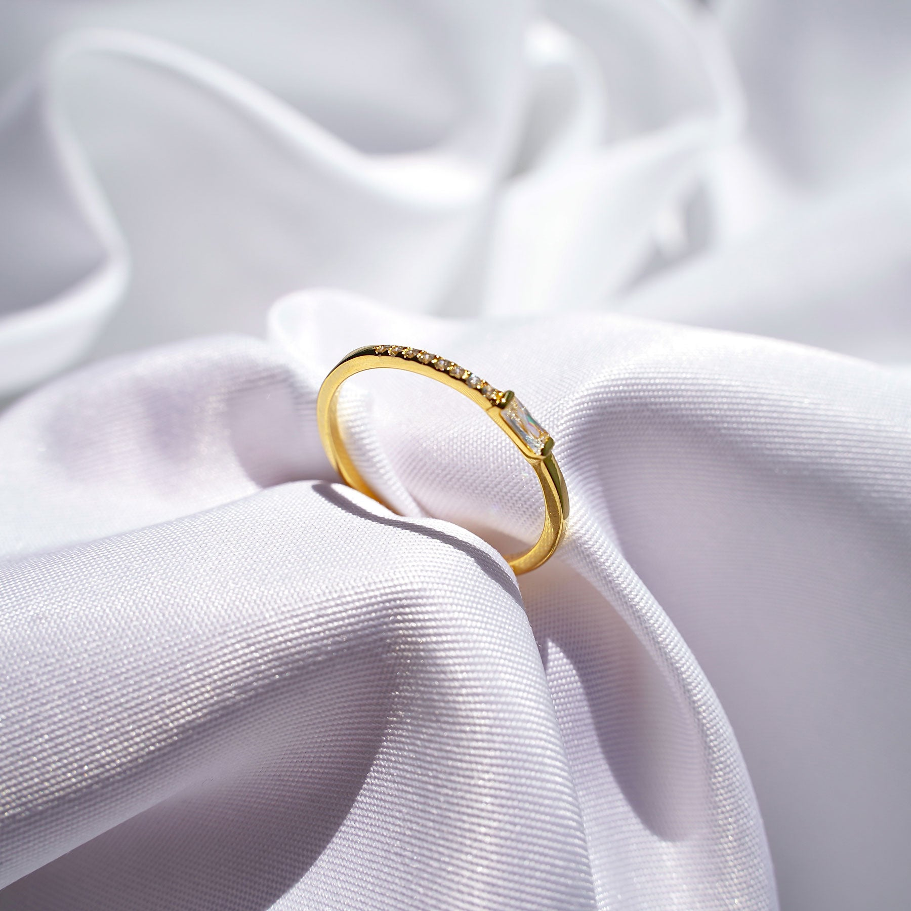 Lilia Ring - Dainty Ring for Women Size 7   Peroz Accessories