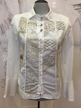 Load image into Gallery viewer, Lace blouse