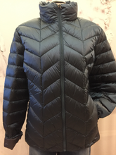 Load image into Gallery viewer, Featherweight down jacket