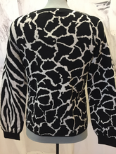 Load image into Gallery viewer, Animal print sweater