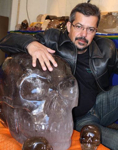 Leandro Souza and Akator the world's largest crystal skull
