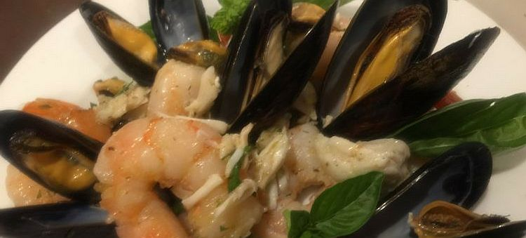 Mixed Shellfish Salad