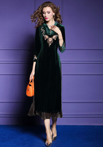 Women Elegant Embroidery Velvet Dress Green