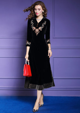 Women Elegant Embroidery Velvet Dress Black