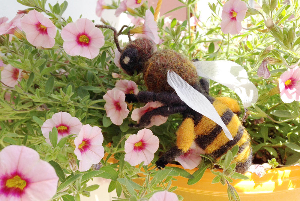 Needle Felted Honey Bee - NEW<br>Mon. July 17, 6-9pm