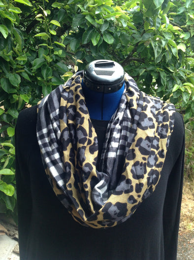 "Wayi Bamboo light weight "" Panther block "" Scarf"