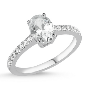 18kt white gold and oval diamond engagement ring