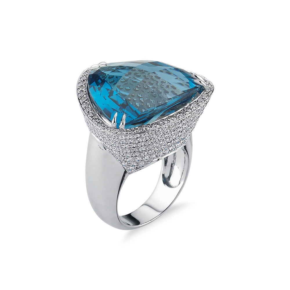 18kt white gold, diamond and London blue topaz ring