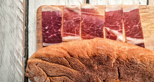 jamon with bread