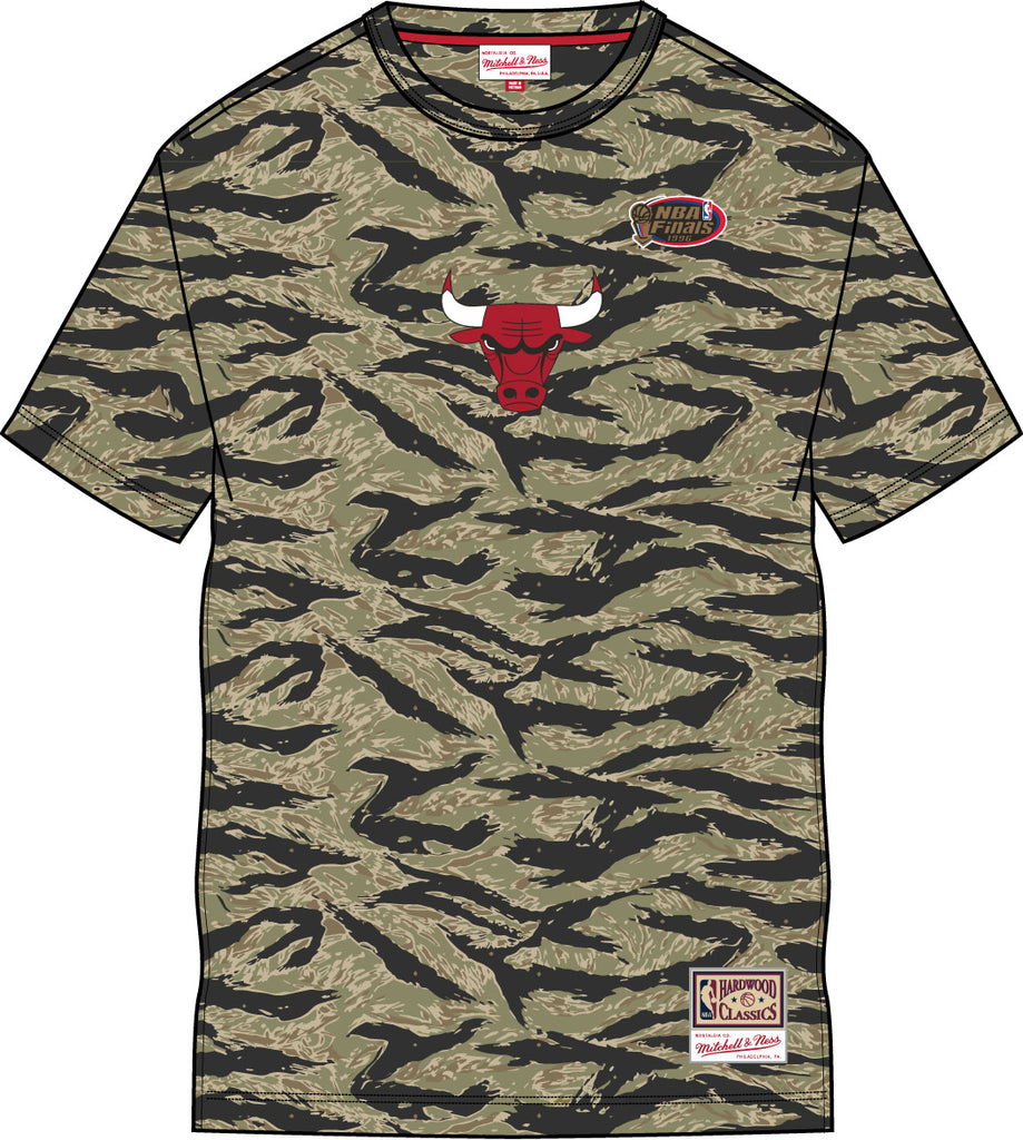 Mitchell & Ness Tiger Camo Oversized T-Shirt