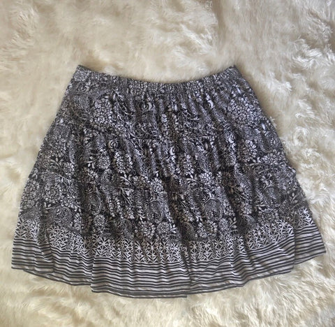 Women's Style & Co. Macy's Black and White Patterned Skirt Size Large - Luxe Statements