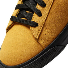 "Load image into Gallery viewer, Nike SB ""Blazer Low GT"" // Gold/Black"