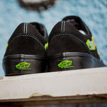 "Load image into Gallery viewer, Vans x Frog ""Skate Old Skool L"" // Black/Black"