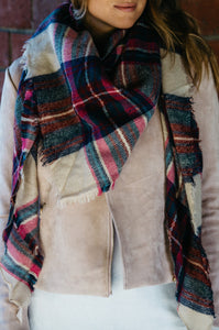 Triangular Plaid Scarf - Amaryllis Land