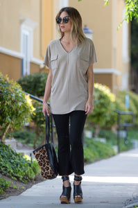 'Live in Comfort' Loose Fit Silky Soft 2 Pocket Top - Amaryllis Land