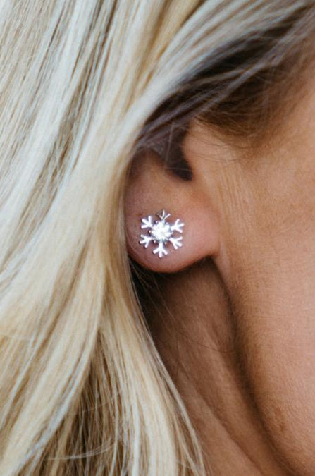 Platinum Plated Snowflake Studs Earrings - Swarovski Element Crystal - Amaryllis Land