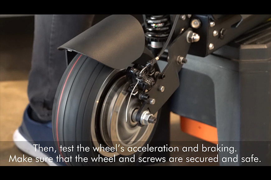 Test the e-scooter wheels acceleration and braking.