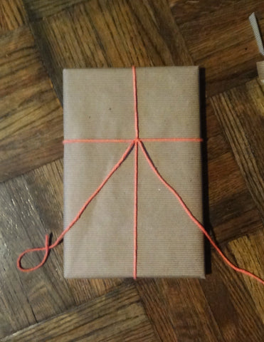 how to tie a bow on a present