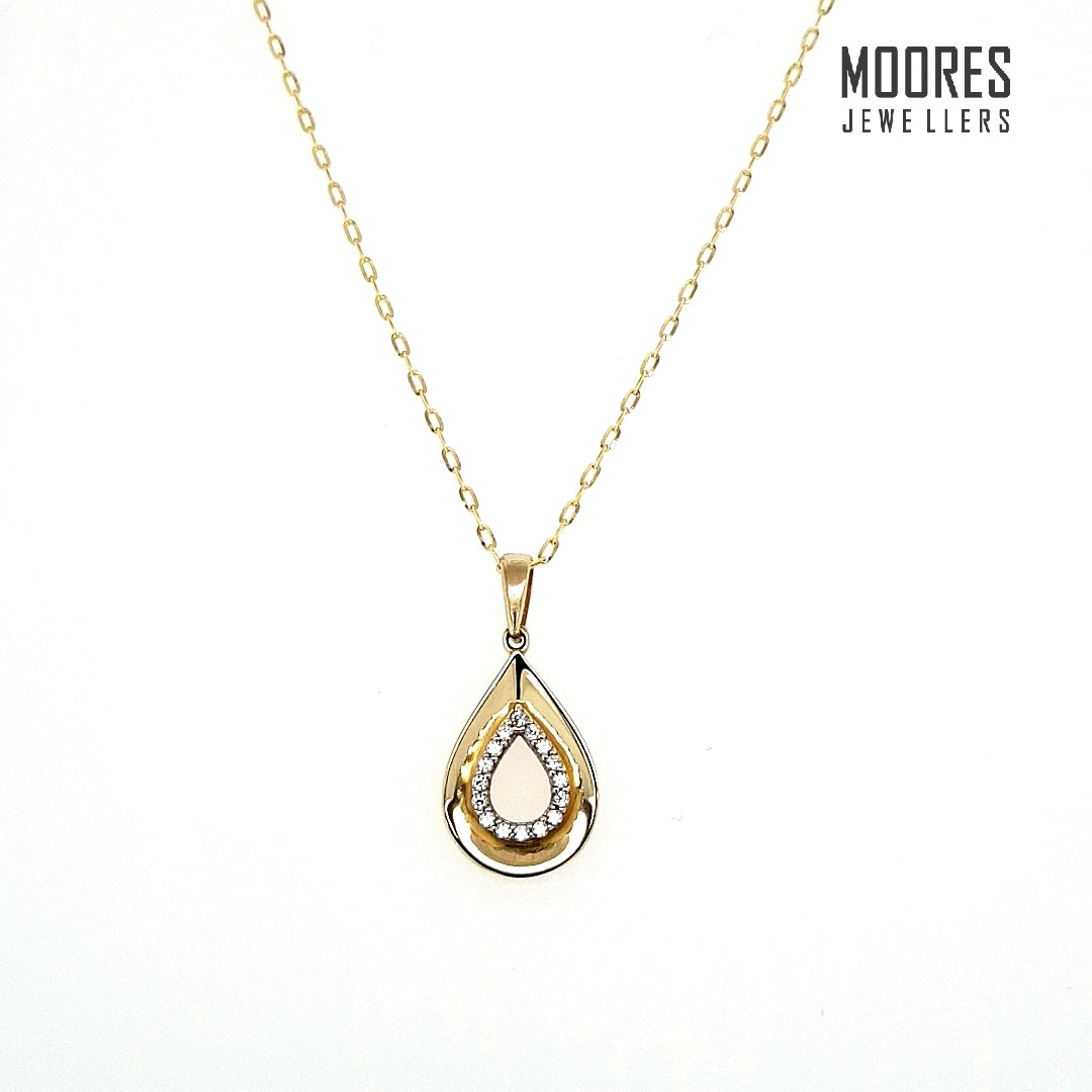 9ct. Yellow Gold Pear/Teardrop Stone Set Pendant & Chain