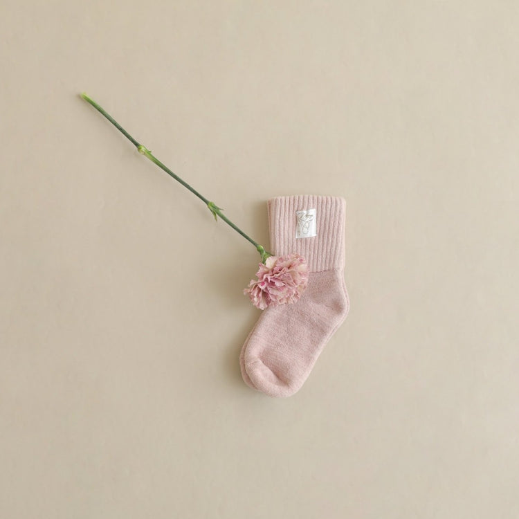 「LUVONICAL × mooneyo」 Mothers day collaboration gift ーSilk Room Socks×カーネーション