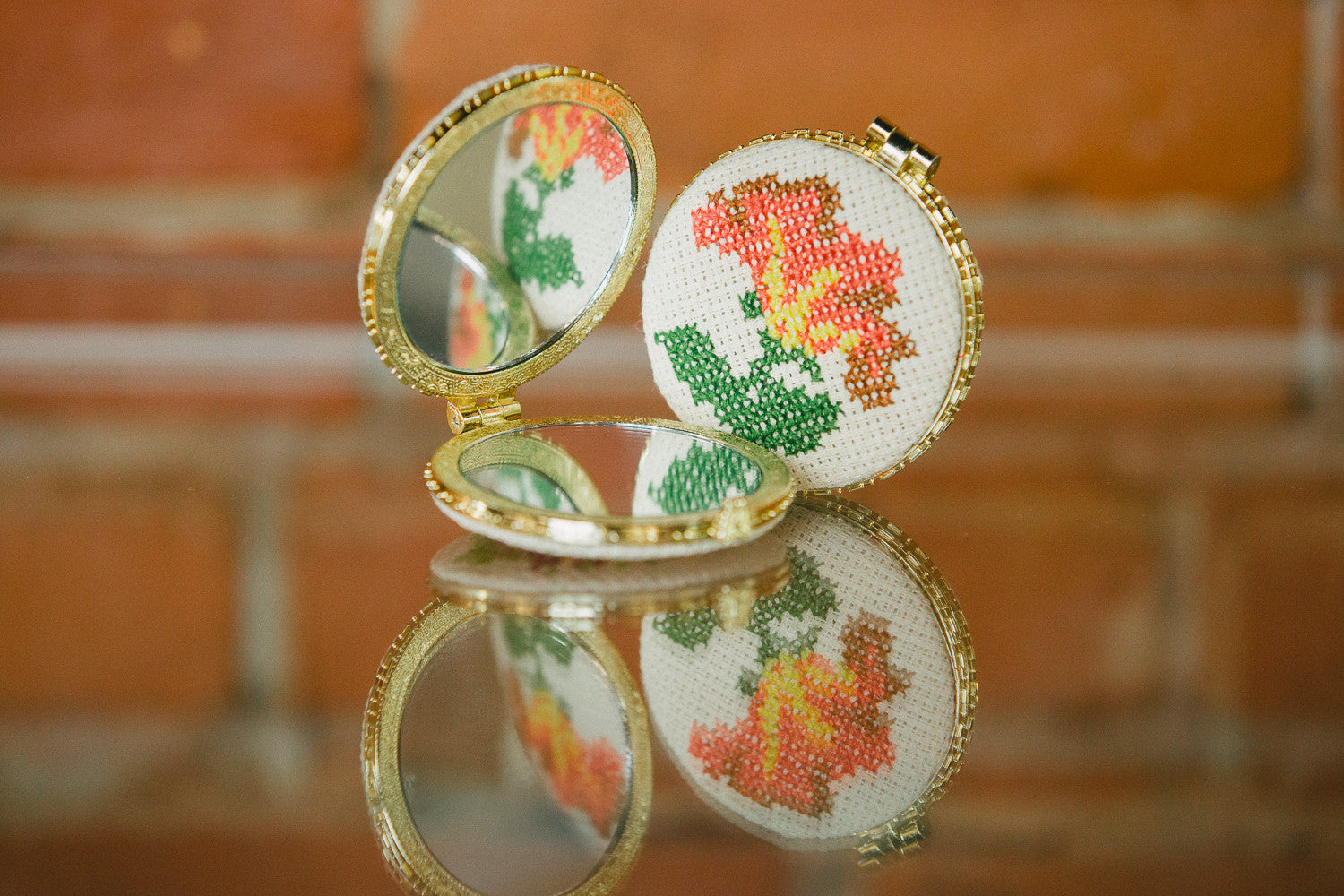 ZENOBIA Pocket Mirror